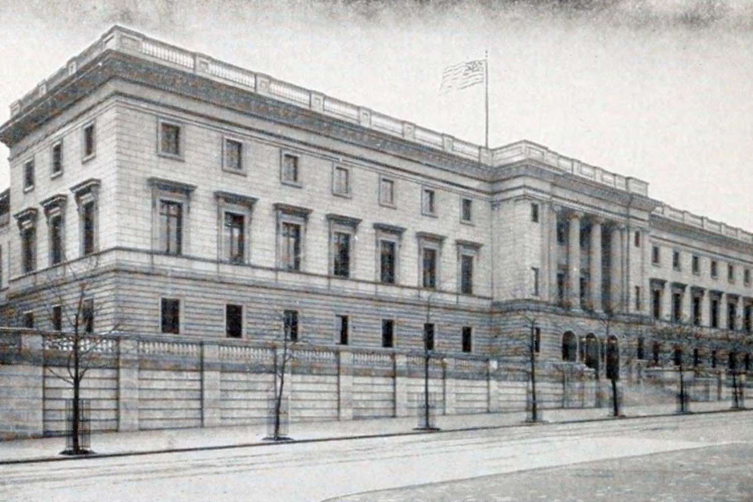 The Third Philadelphia Mint as Seen from the Street