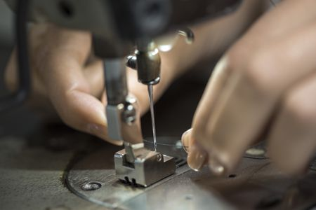Step-by-Step Guide to Threading a Sewing Machine