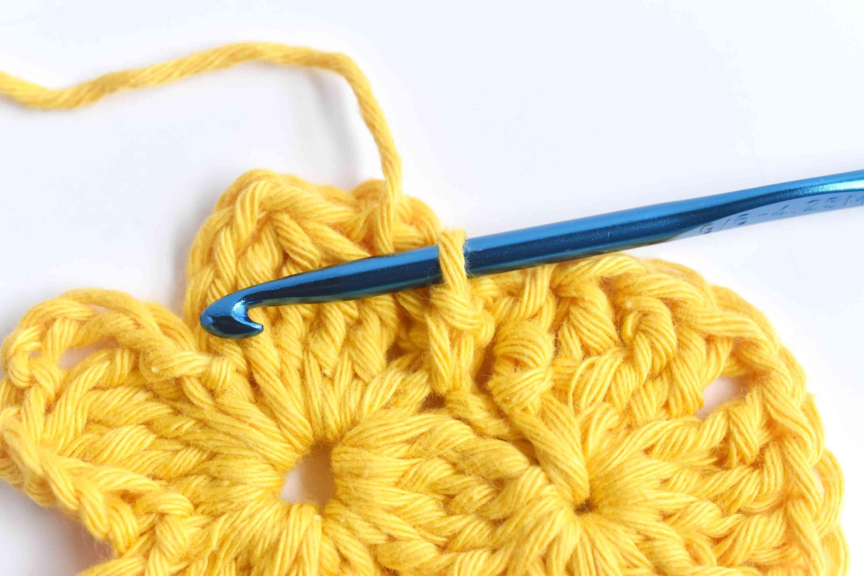 Single Crochet to Secure the Fan of Treble Crochets