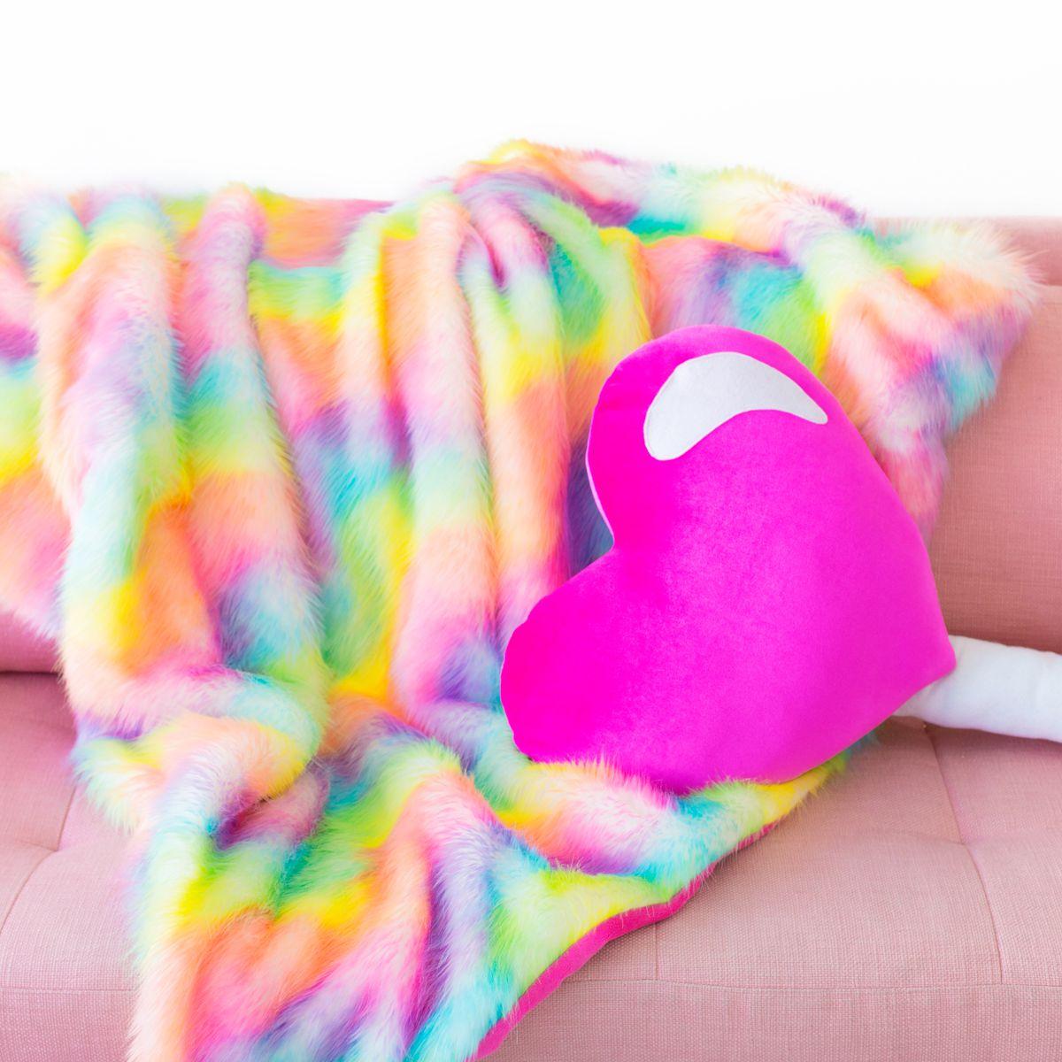 DIY Faux Rainbow Fur Blanket