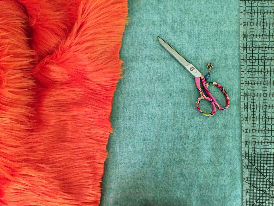 Cutting faux fur