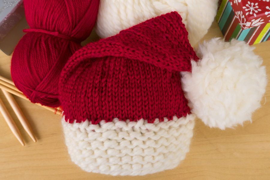 Here's a Free Knitting Pattern to Make a Baby Santa Hat