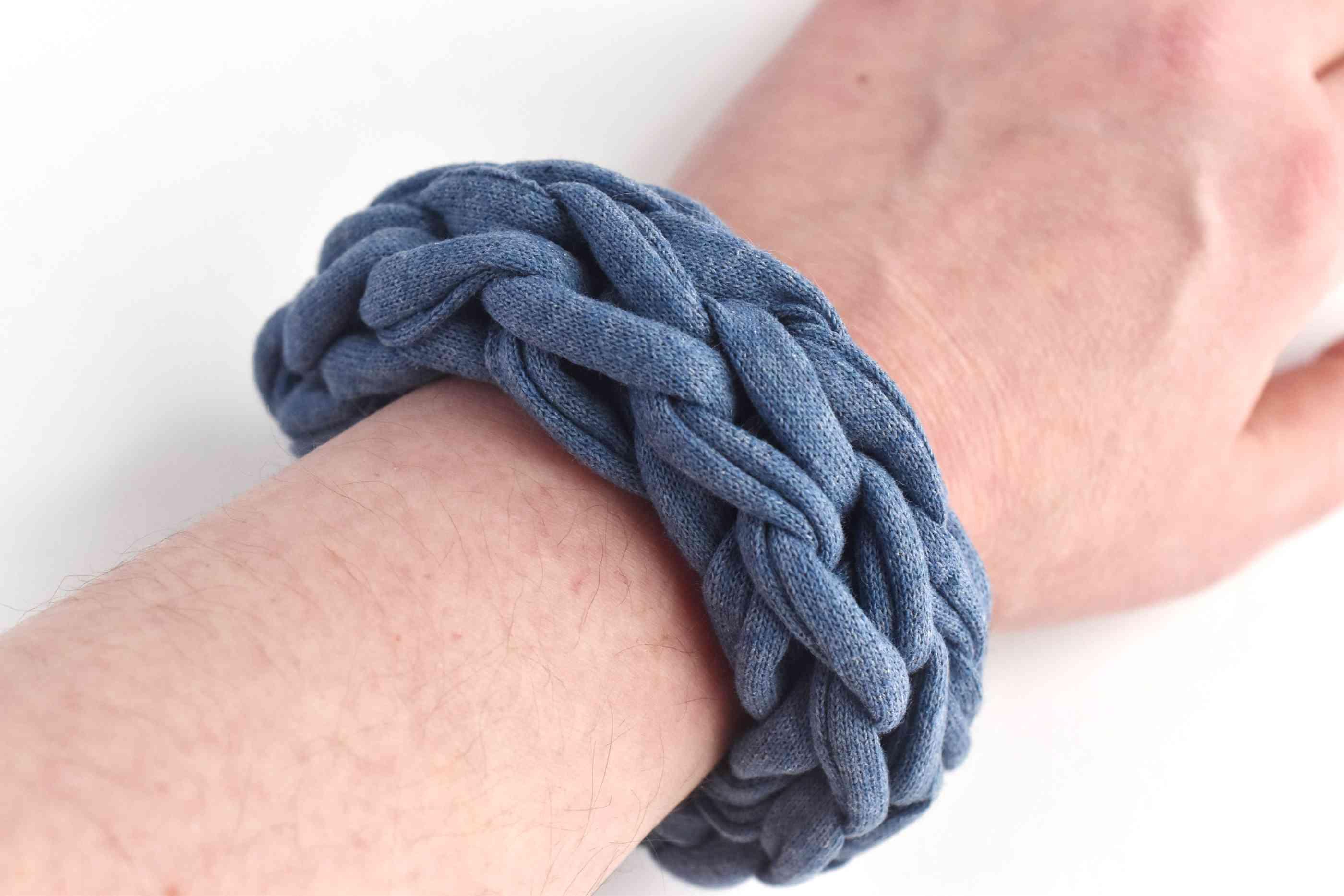DIY Chunky Finger-Knit Bracelet on a Wrist