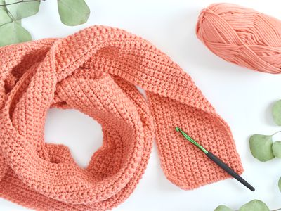 Crochet a Scarf With This Super Easy Pattern 018e2eeee1a