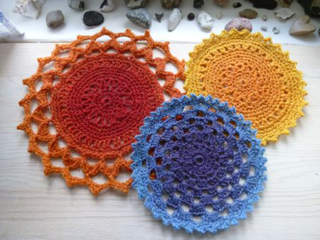 Free Crochet Kitchen Patterns for Potholders, Dishcloths, and Towel Toppers