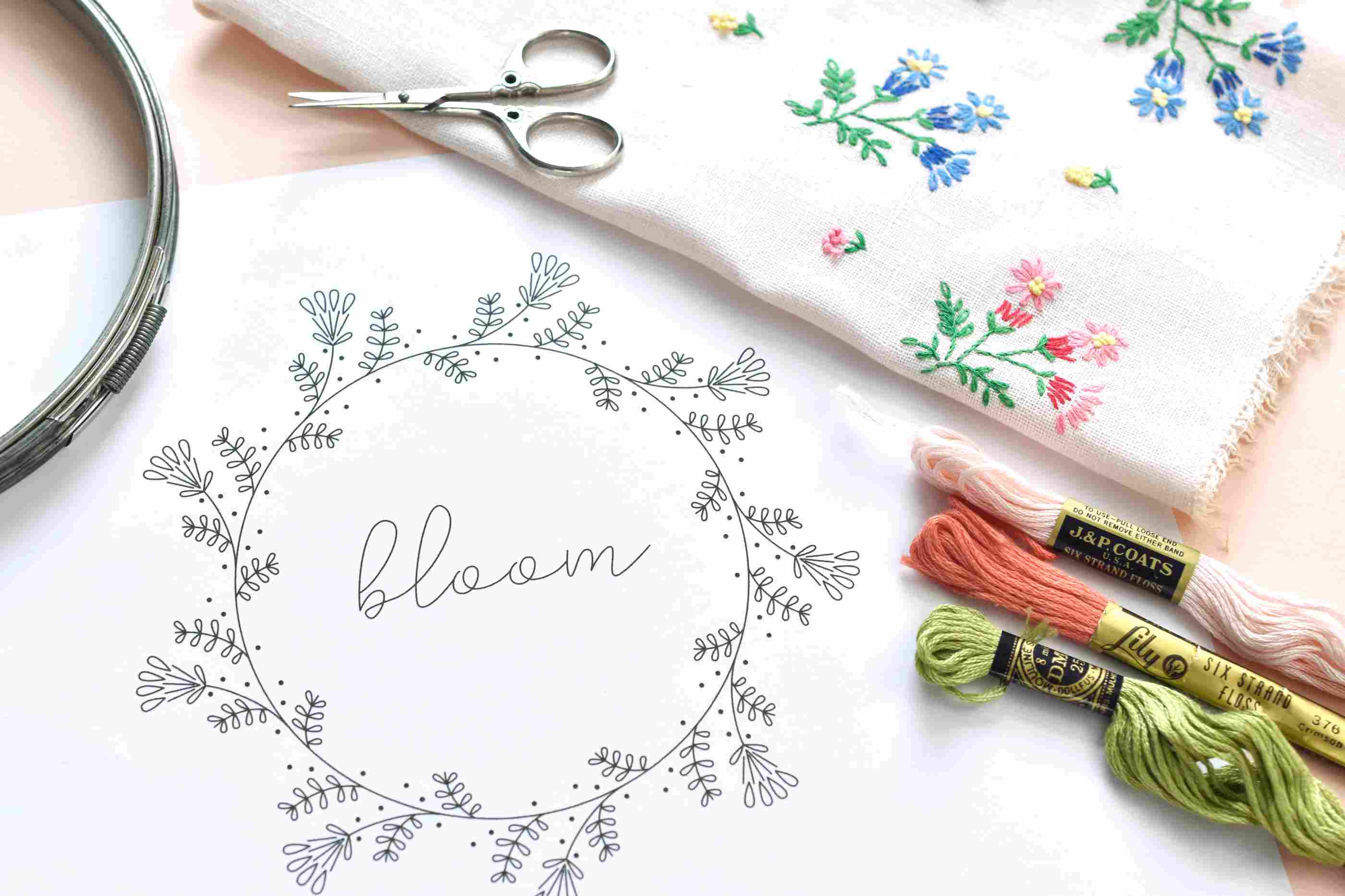 Vintage-Inspired Bloom Frame Embroidery Pattern
