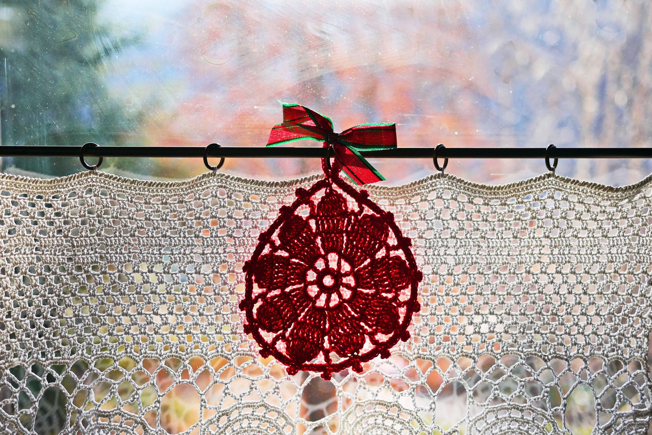 Crochet Curtain Pattern with Ornament