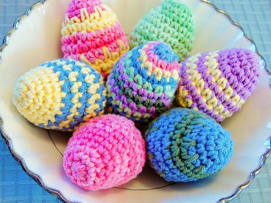 Easter bunny egg crochet pattern - Amigurumi Today | 667x889