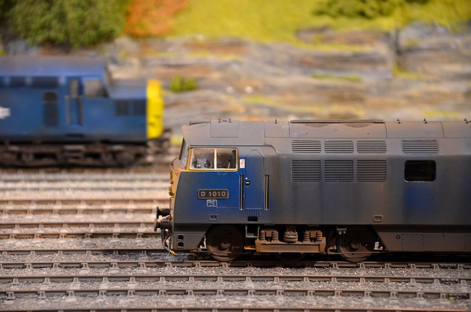 Diesel electric model train railway engines