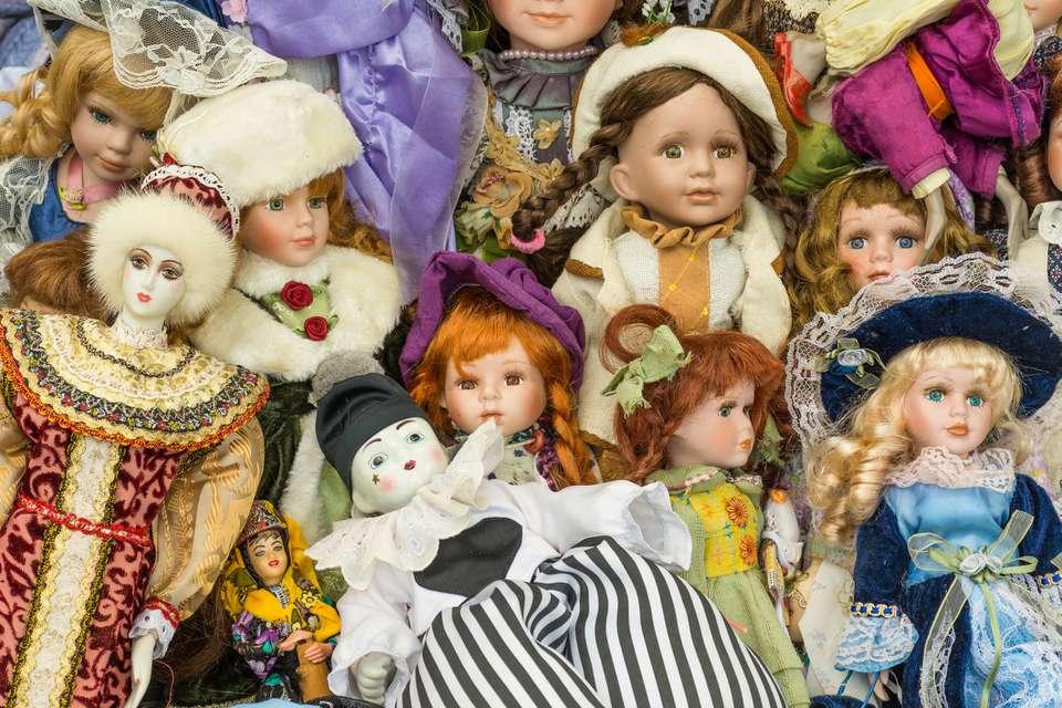 Sale of old dolls at a flea market