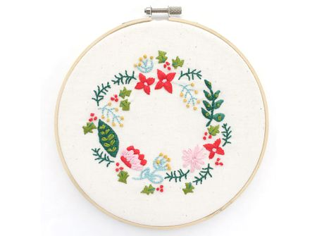 60 Wreath Embroidery Patterns For Any Time Of Year Beauteous Floral Embroidery Patterns
