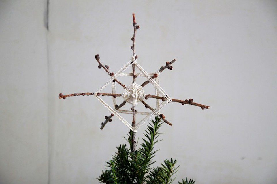 A Star is Born: DIY Foraged Christmas Tree Topper