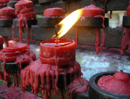 Are Crayons a Good Way to Add Color to Candles?