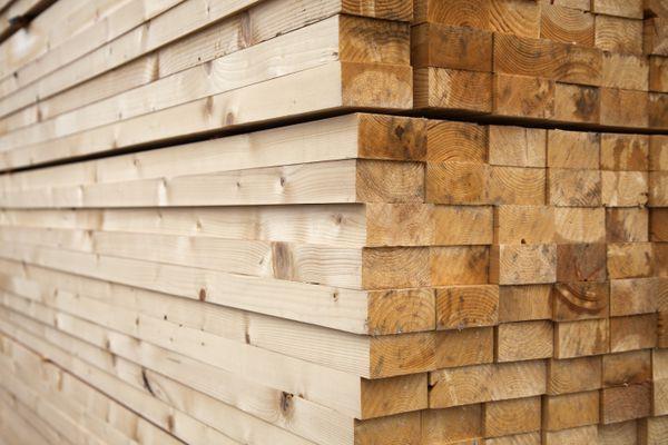 Long, geometrically stacked lumber