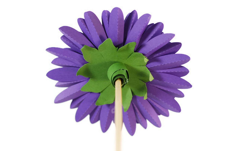 How To Craft A Pretty Paper Dahlia Flower