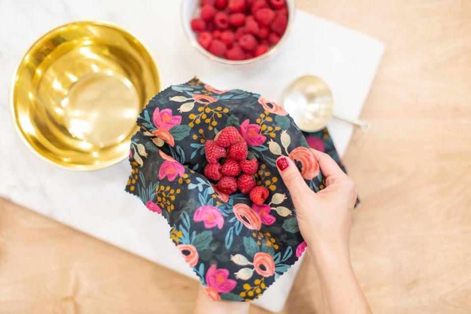 How to make reusable food wraps