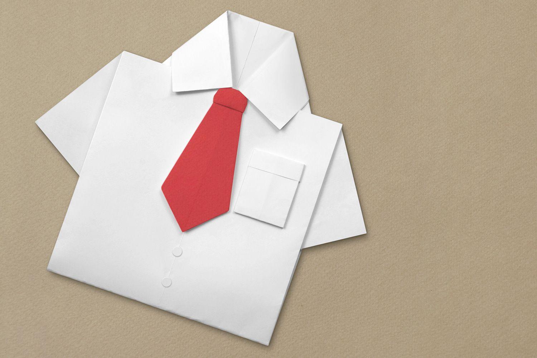 Открытка с рубашкой из цветной бумаги, днем рождения