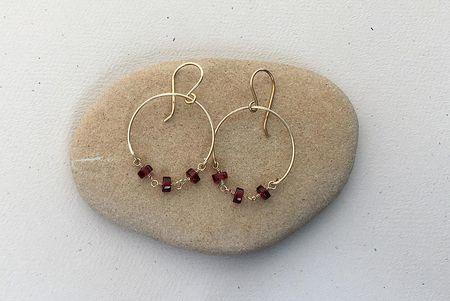 Filename Diy Wire Chain Loop Earrings Jpg Alt Garnet Bead And Hoop Earring