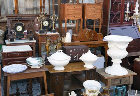 Antiques in store - The 12 Periods Of American Furniture