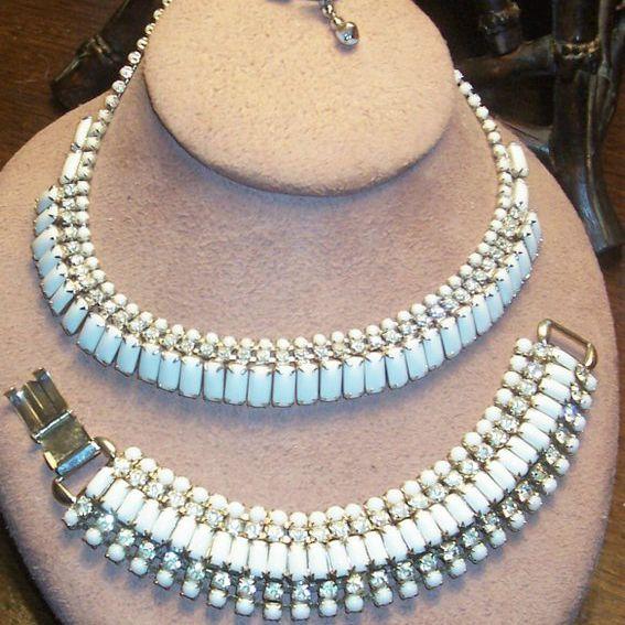 Kramer White Necklace & Bracelet Set