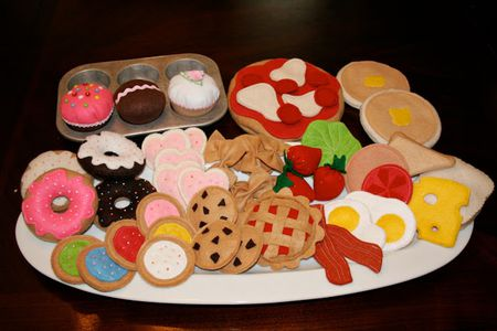 89 Play Foods You Can Make From Felt