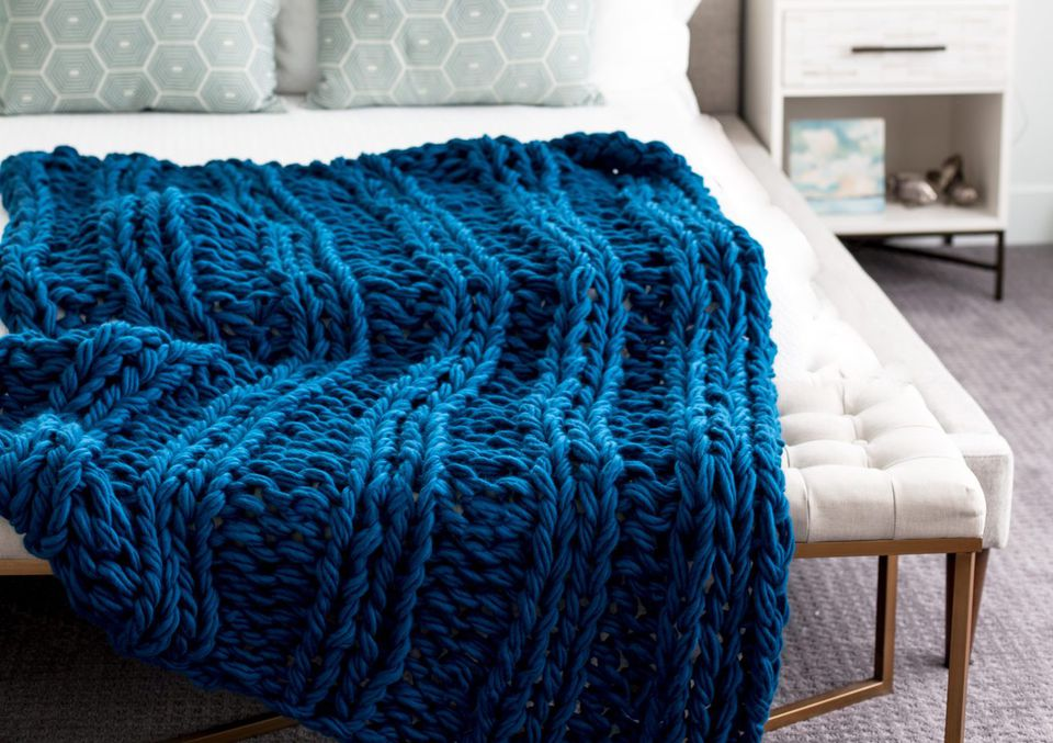 Chunky Arm-Knit Ribbed Blanket Pattern