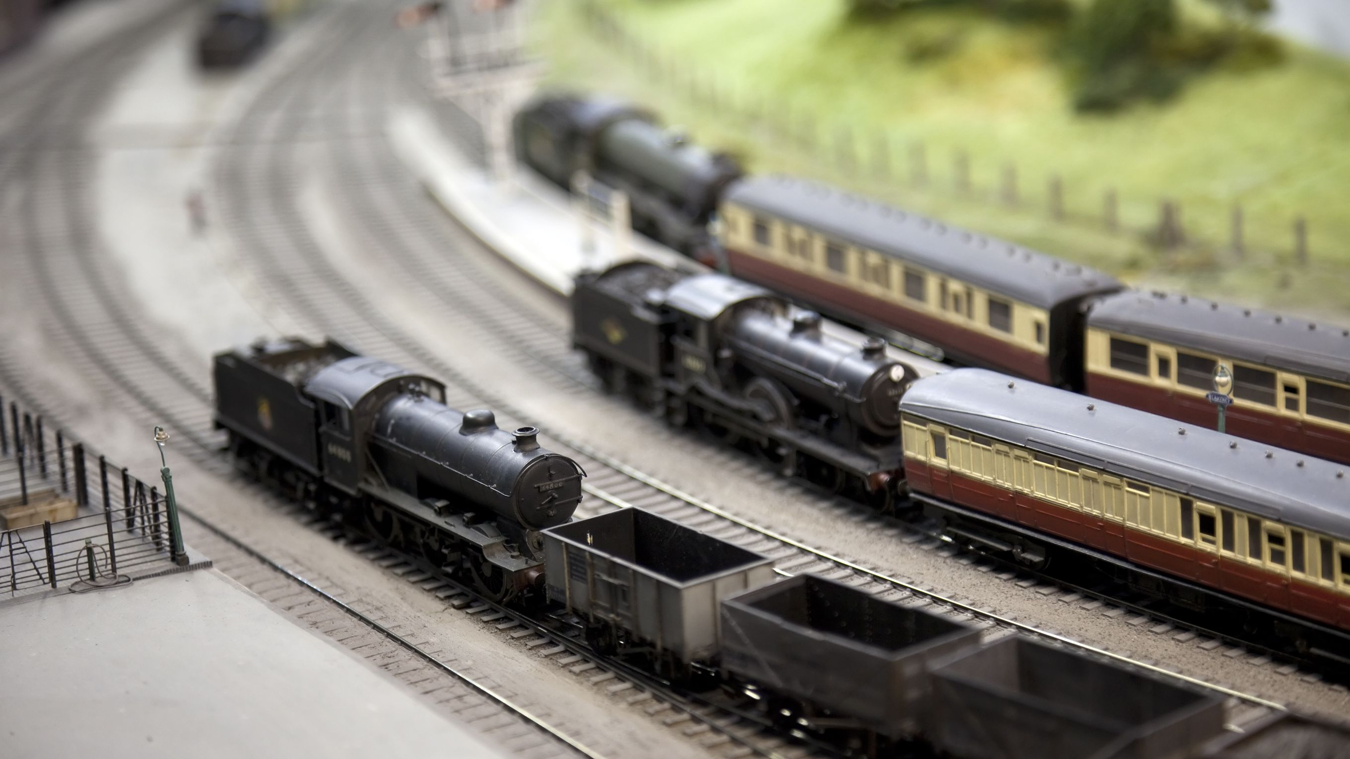 Bus Wiring for Model Railroads | N Scale Track Wiring |  | The Spruce Crafts