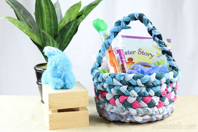 24 easter basket ideas we love how to make a no sew easter basket diy danielle negle Images