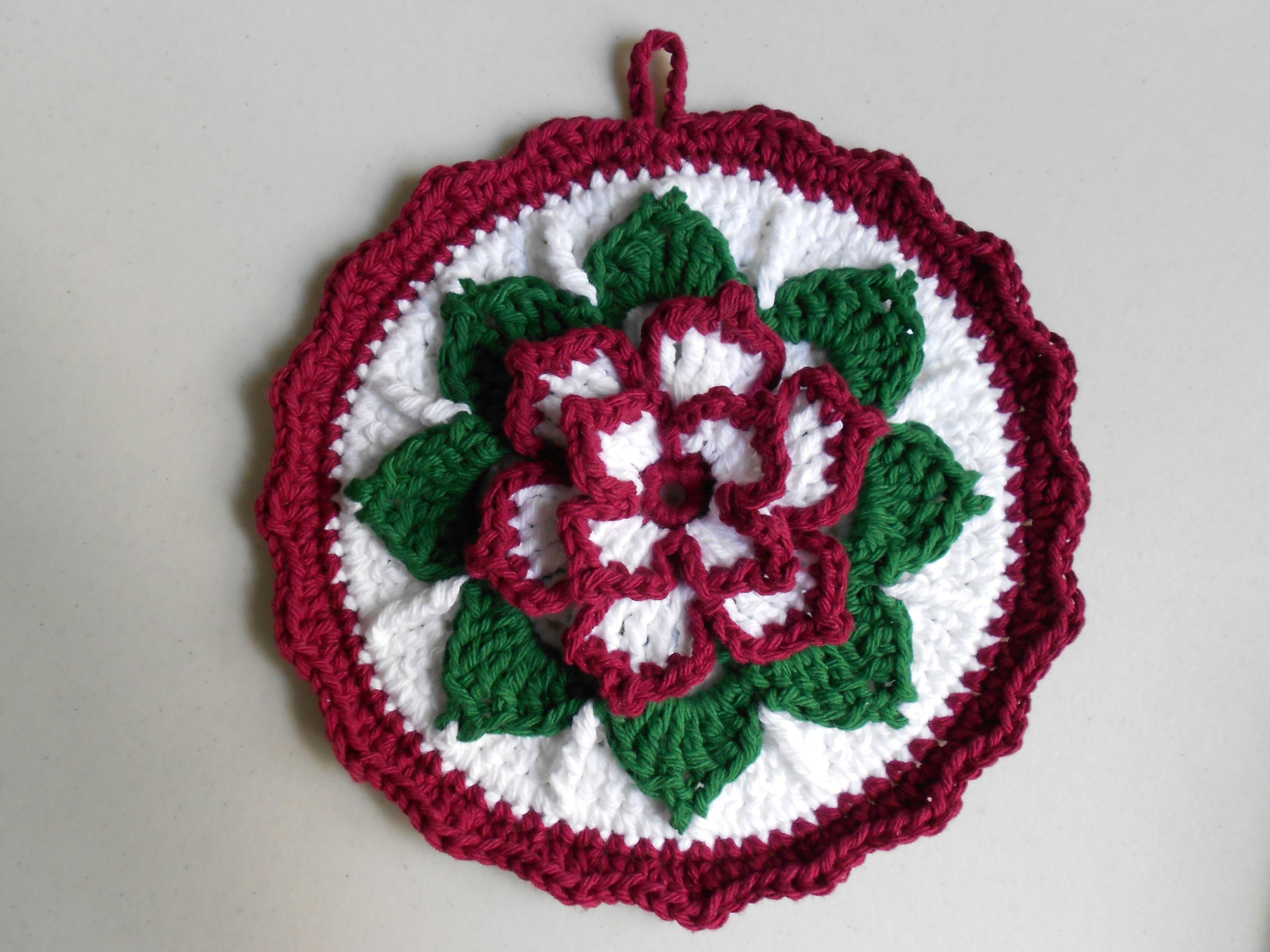 A Christmas crochet potholder