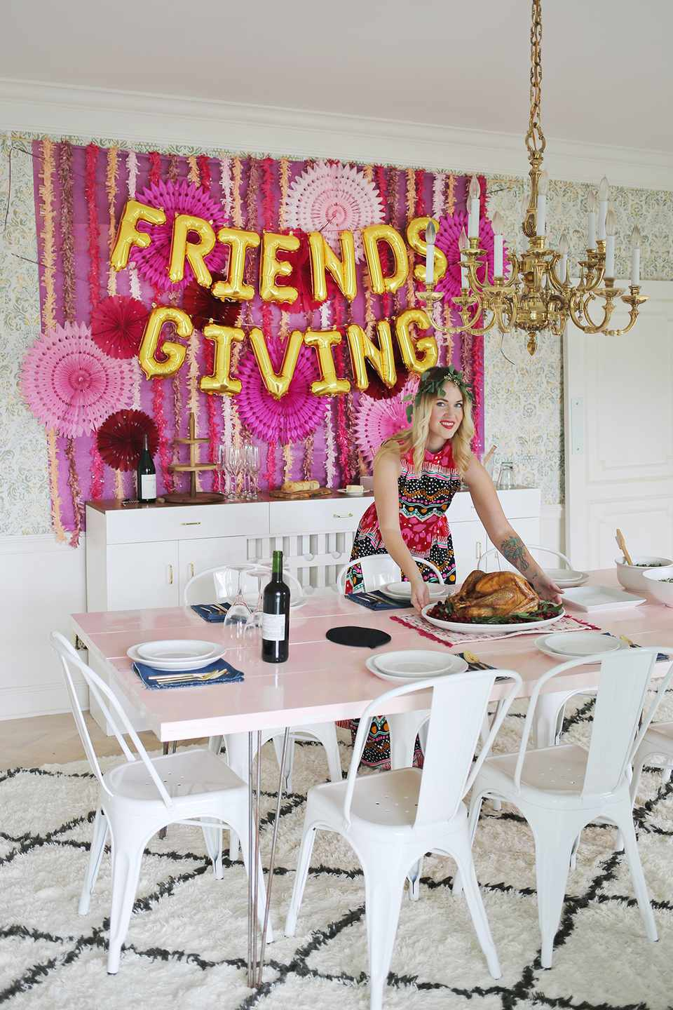 DIY Friendsgiving Party Backdrop