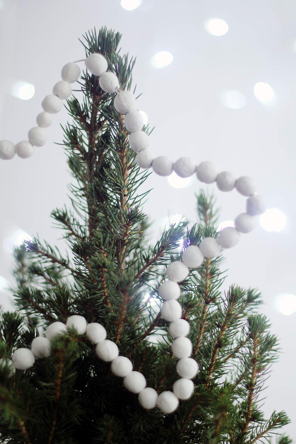 16 Fun, Festive, and Unique DIY Christmas Tree Toppers