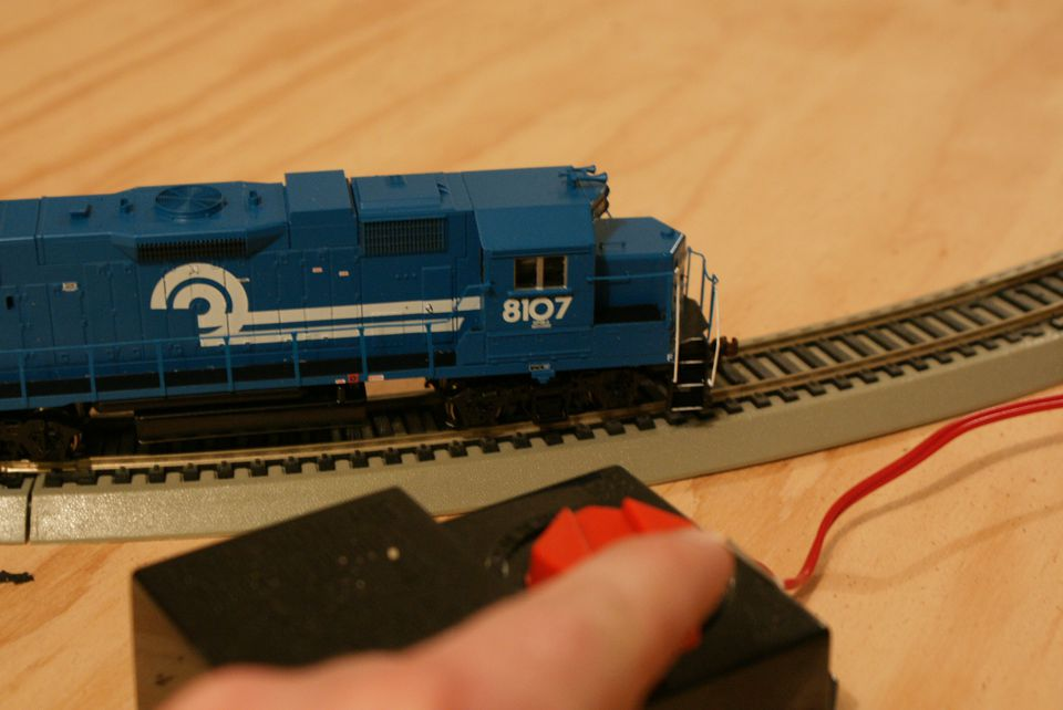 Follow these 4 steps and you'll be enjoying your train set in no time!