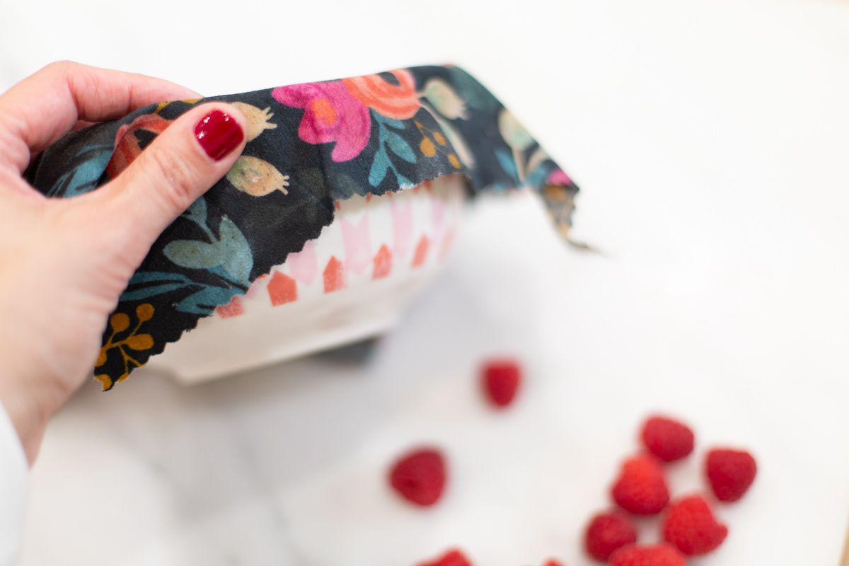How to make reusable food wraps to cover food