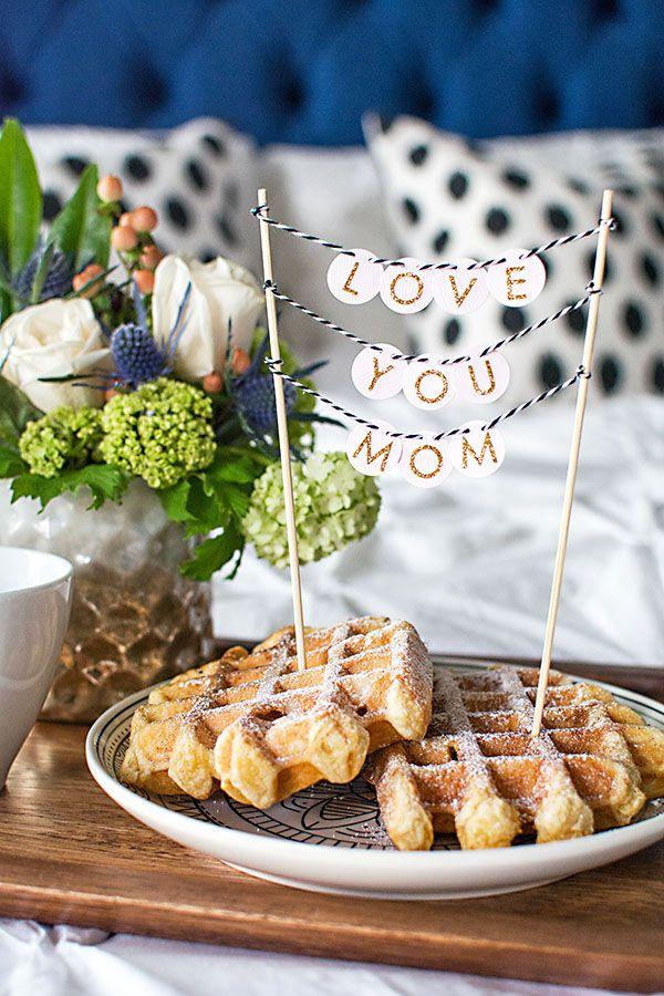 DIY Mini Love You Mom Garland