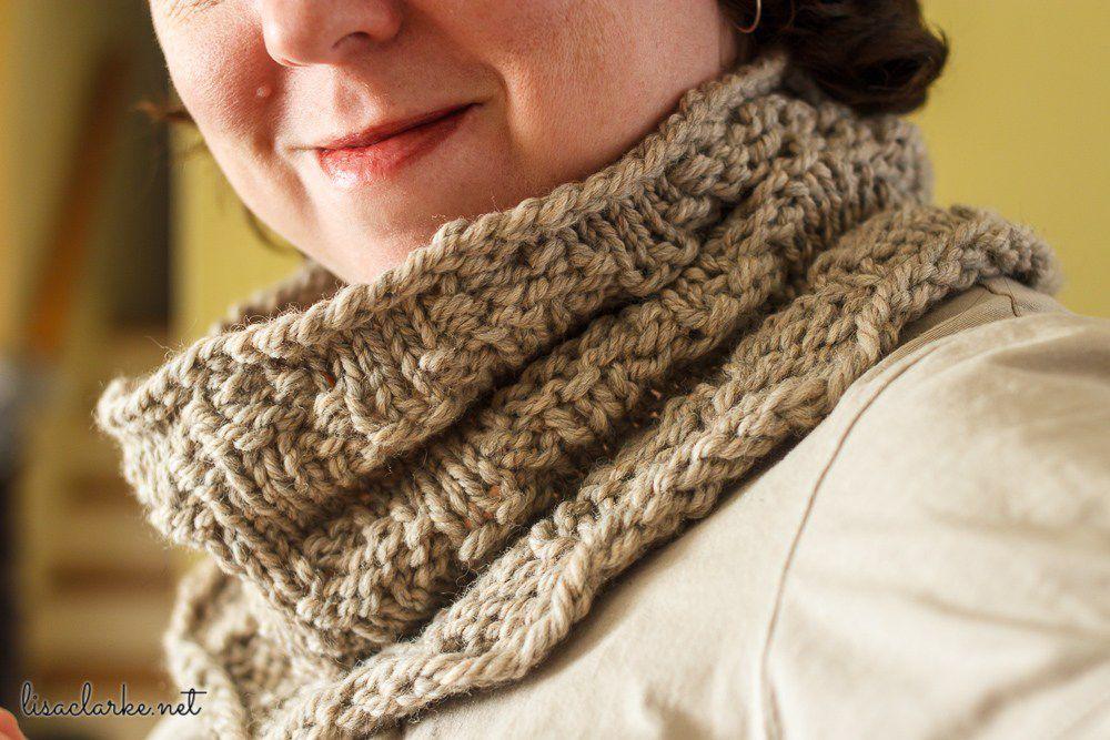 Chevron Cowl Pattern for Loom Knitting