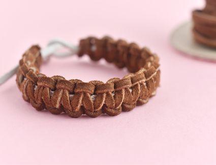 Cobra Stitch Knot Tutorial for Making a Leather Bracelet