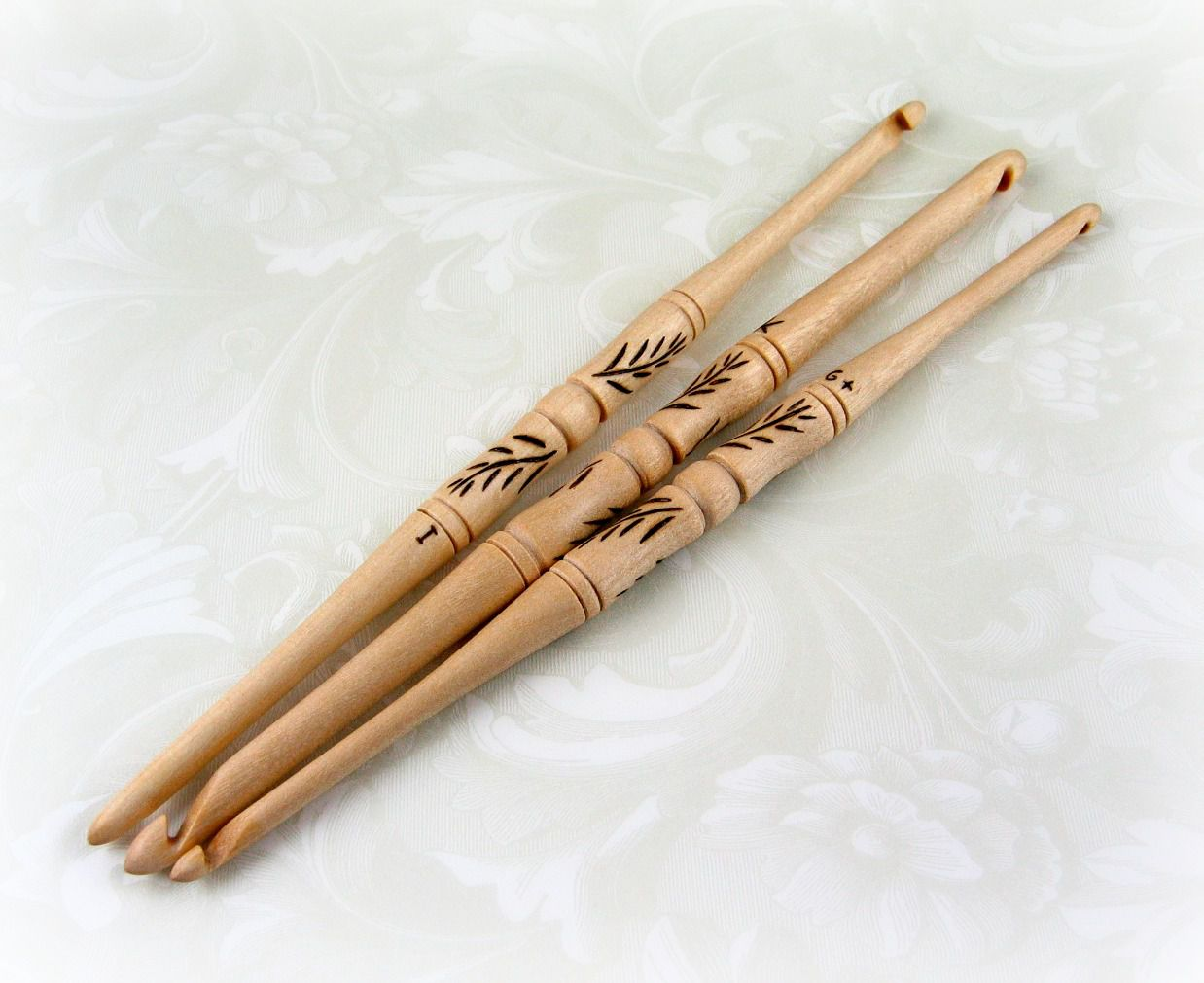 Double ended crochet needles