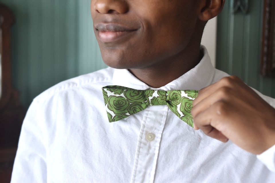 Adjusting a DIY Bow Tie