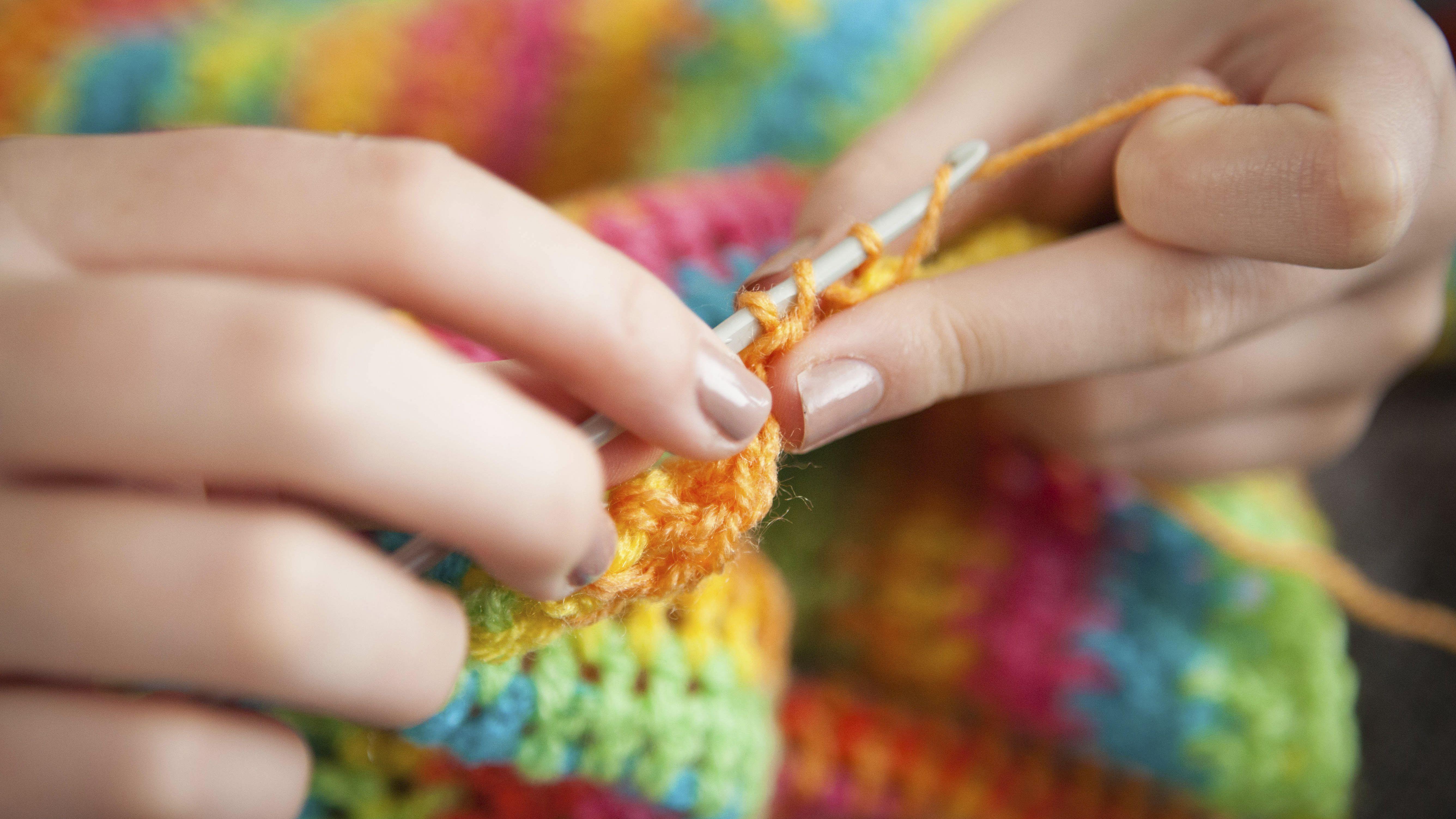 469f48c0aa16b Basic Single Crochet Triangle Scarf Pattern