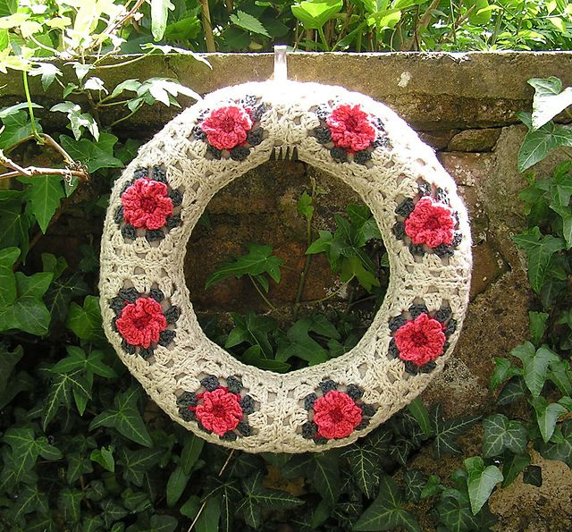 Floral granny squares make perfect spring crochet wreaths