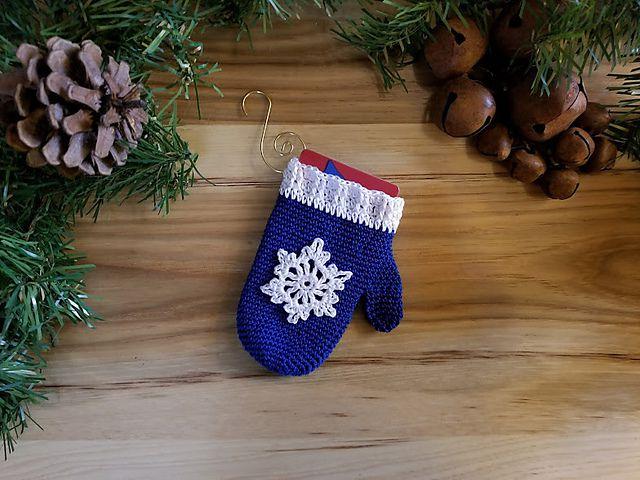 Mitten gift card holder ornament free crochet pattern