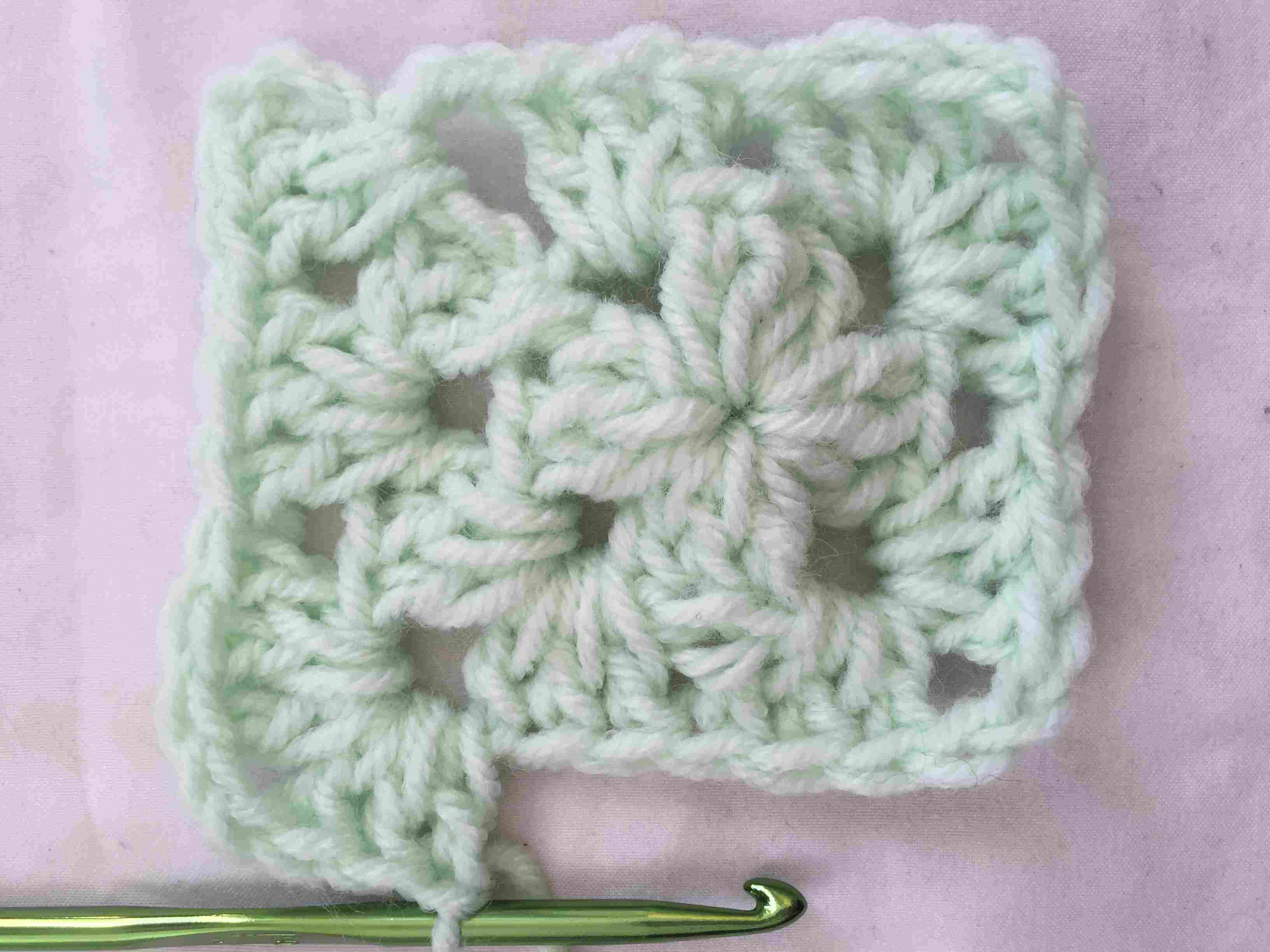 How to Crochet a Classic Granny Square