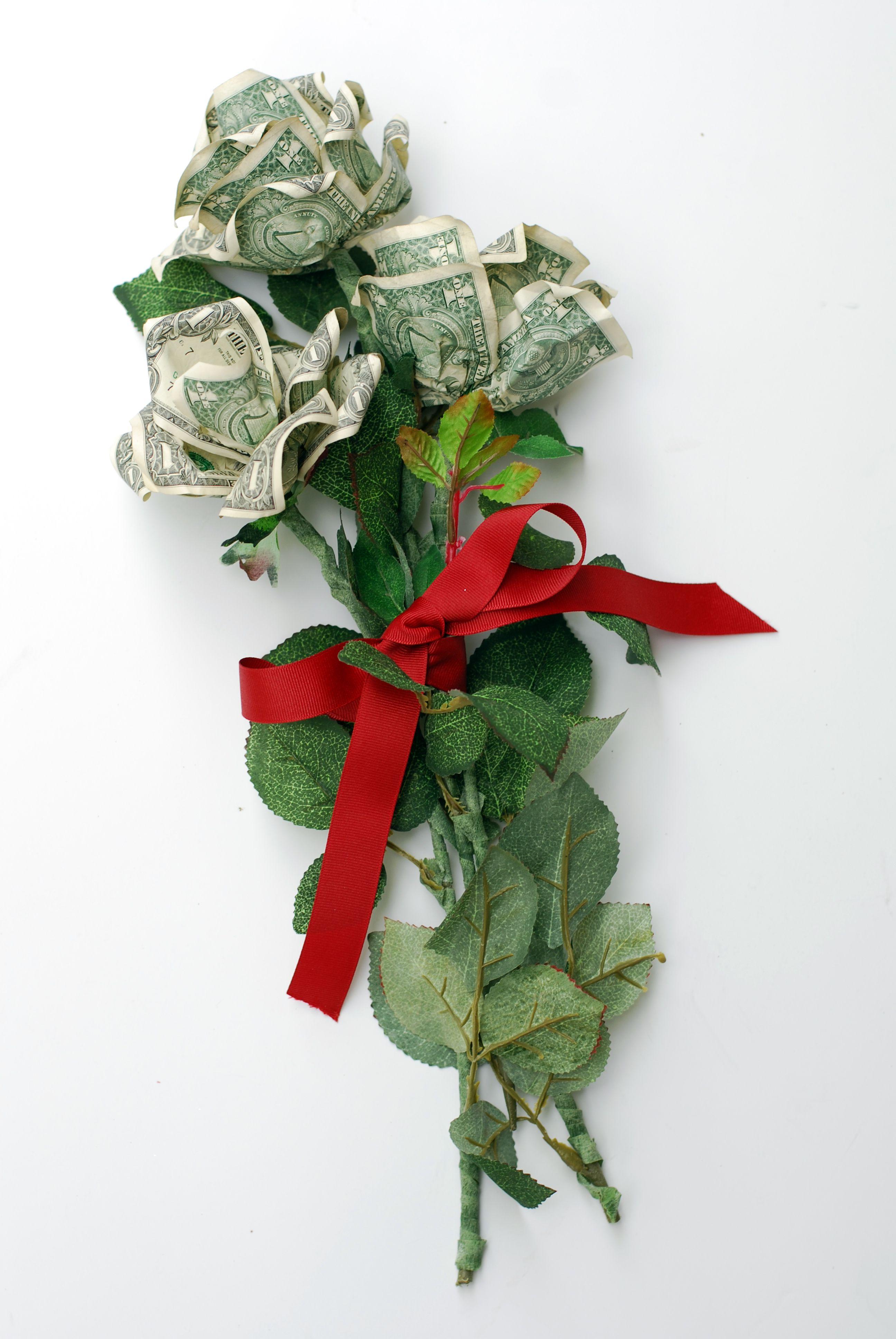 How to Make a Money Rose | FeltMagnet | 3872x2592