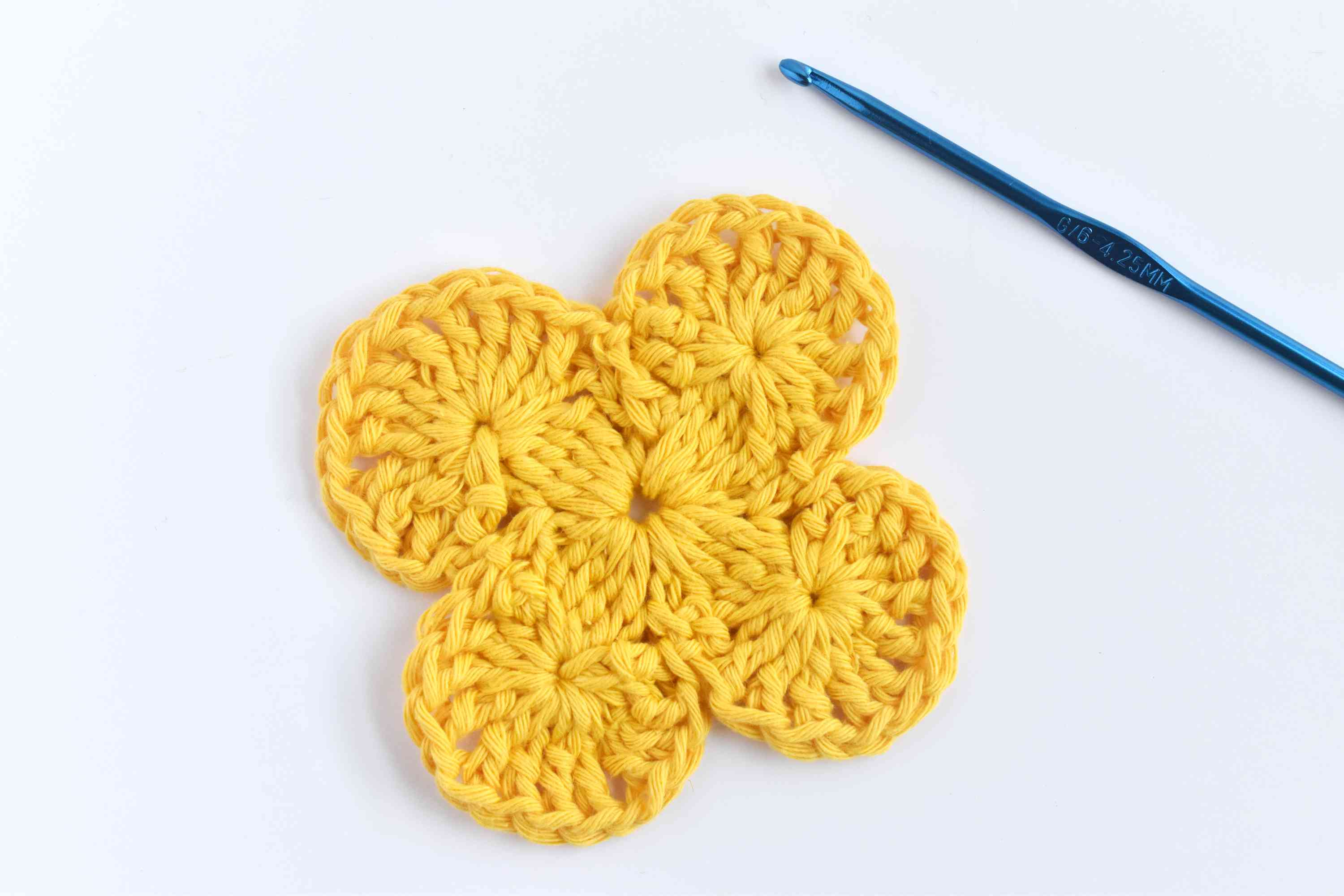 Repeat the Steps to Finish the Round 2 of Bavarian Crochet