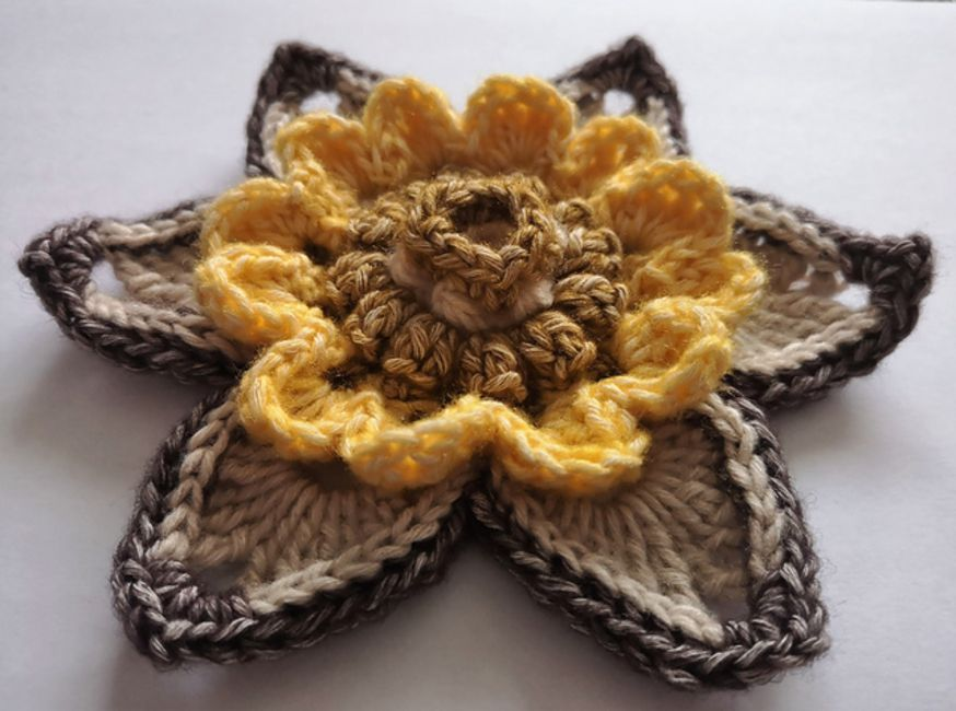 16 Free Crochet Flower Patterns
