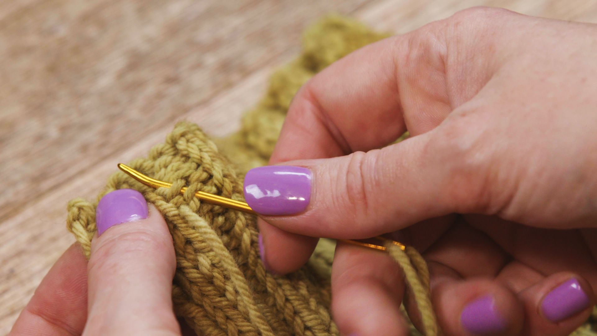 knitting - weaving in ends