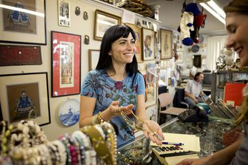 Shopping for Vintage Jewelry