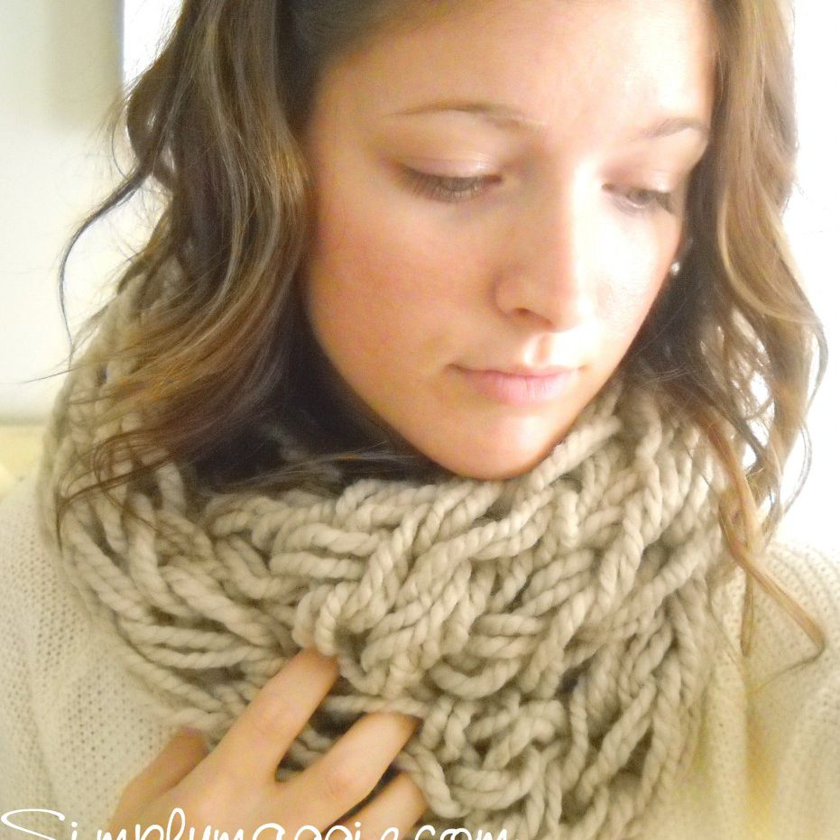 how to arm knit a scarf