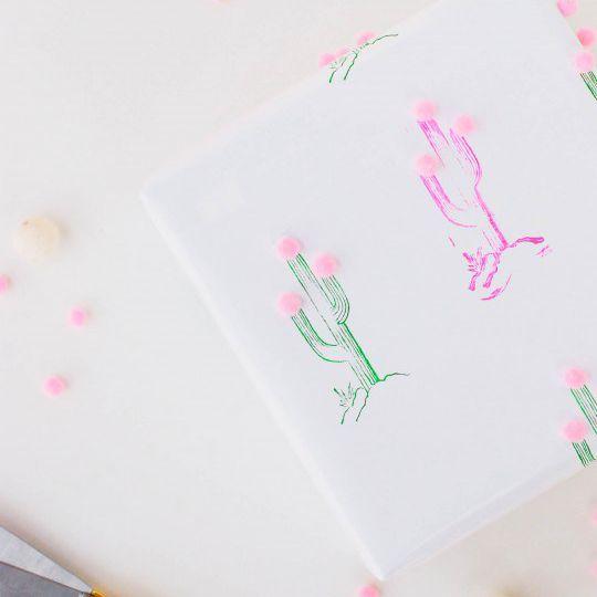 DIY Pom Pom Cactus Gift Wrap