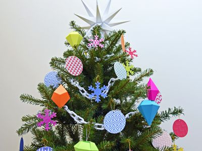 diy these double sided christmas tree decorations